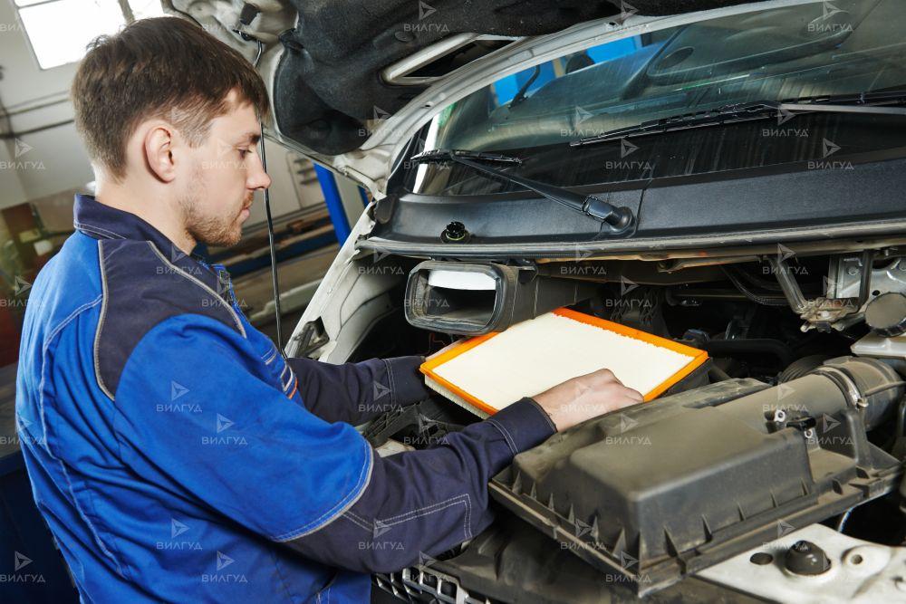 Замена радиатора кондиционера Volkswagen Tiguan в Санкт-Петербурге
